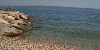 Mar e praia em Split, na Croácia