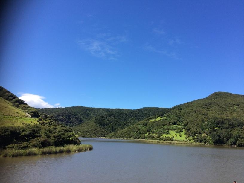 Lake Wainamu em Auckland Nova Zelandia